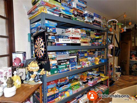 braderie de jeux et jouets d 39 occasion jeux de soci t. Black Bedroom Furniture Sets. Home Design Ideas