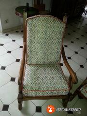 Photo du vide-maison vide maison fauteuils guéridon vêtements