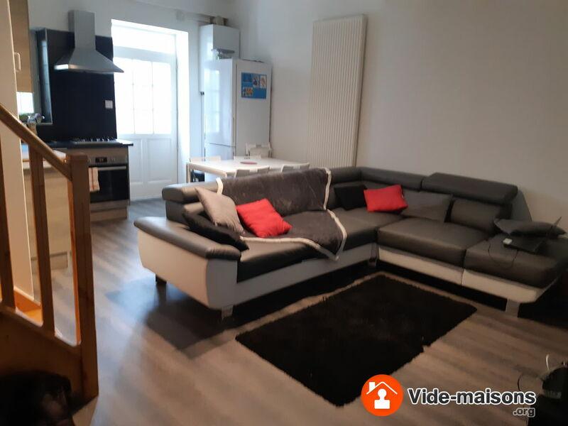 photo du vide maison vide maison meubles neufs encore sous garantie cause d part. Black Bedroom Furniture Sets. Home Design Ideas