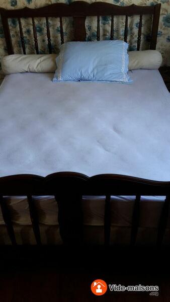 photo du vide maison vide maison susmiou meubles vaisselles outils. Black Bedroom Furniture Sets. Home Design Ideas